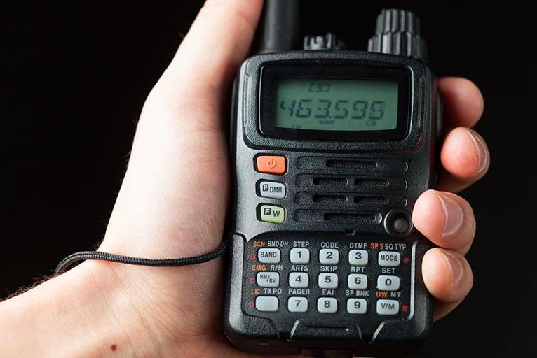 MCA無線は傍受される?通信の仕組みと利用事例