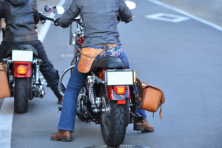 車・バイクでのツーリング中に通話をするには?無線アプリのおすすめ活用方法